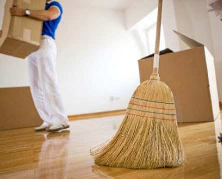 Professional doing End lease cleaning jobs